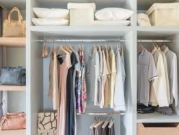 Хранение одежды в квартире. Необходимые секции в шкафу