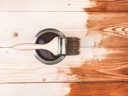 Как скрыть царапины на деревянной мебели?